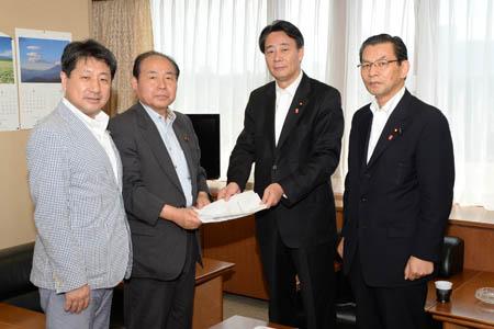 栃木県連緊急幹事会で満場一致で採決した旨報告