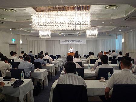 参加した自治体議員や連合栃木関係者約60名が熱心に耳を傾けた
