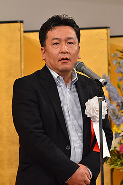 講演に立つ枝野幸男経済産業大臣